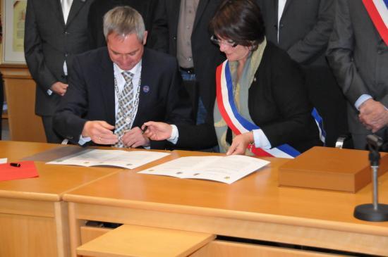 20141107 - 077 - 20 ans Ilvesheim - Signature charte Ilvesheim