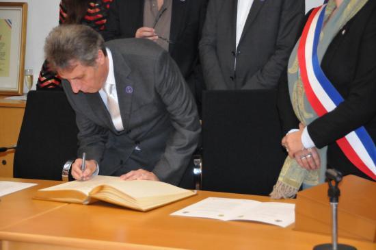 20141107 - 099 - 20 ans Ilvesheim - Signature charte Ilvesheim